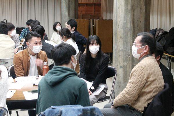 採用イベントSEEdでの企業と学生の交流会